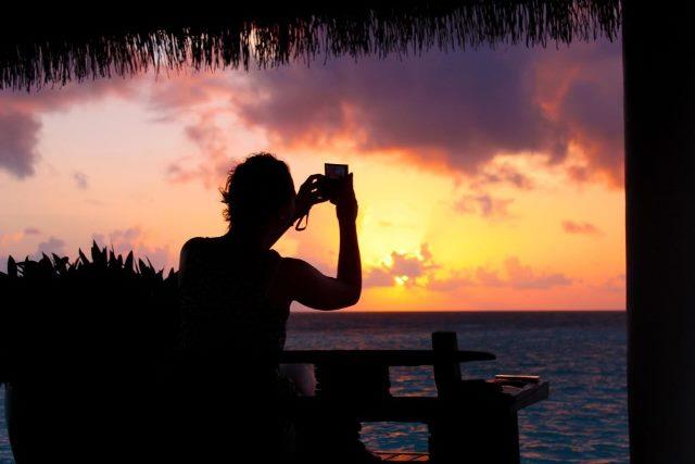 Fotografia com celular em cenário de baixa luminosidade